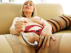 video-porno-masturbiruyushih-dam