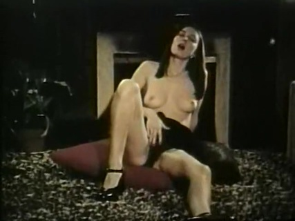 Bucky Beavers Stags And Loops 105. More '60s SOLO sin, as a pretty brunette spreads wide and says