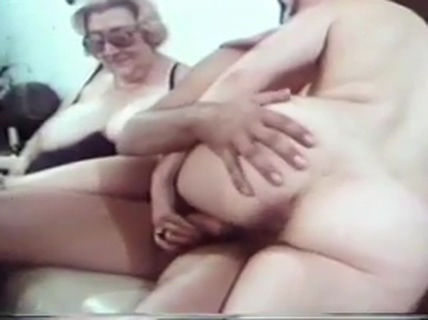 Porno oma Oma: 131,265