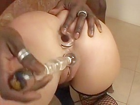 Flower big ass busty slut worship black cock. Flower Tucci -