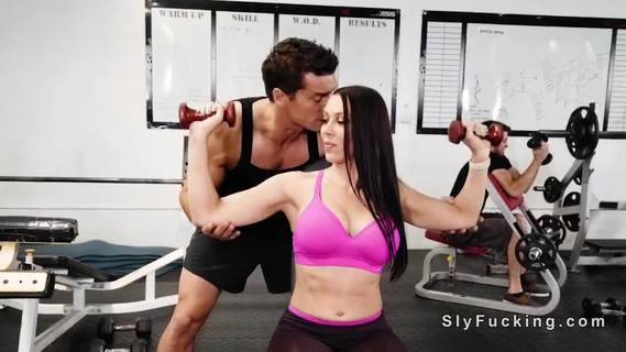 Girlfriend cheats bf with muscled guy. Big boobs and big ass brunette girlfriend Rachel Starr takes her bf to the gym to tight his body but then muscled guy bangs her pussy and throat
