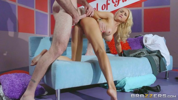 fortunate blonde gets a big dick to smash her lucky holes. Check out fortunate blonde gets a big dick to smash her lucky holes on FRPRN.com