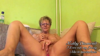 Masturbation session of mature Kathy Diamond with short hair. Check out Masturbation session of mature Kathy Diamond with short hair on FRPRN.com