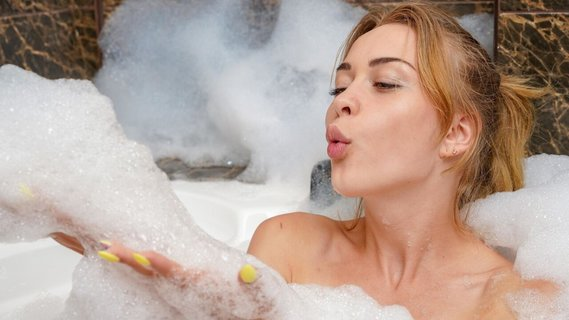 Loren in Bubble bath 2. Check out Loren in Bubble bath 2 on FRPRN.com
