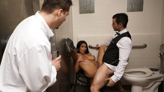 MILF from Venezuela Rose Monroe is banged in public toilet. Check out MILF from Venezuela Rose Monroe is banged in public toilet on FRPRN.com
