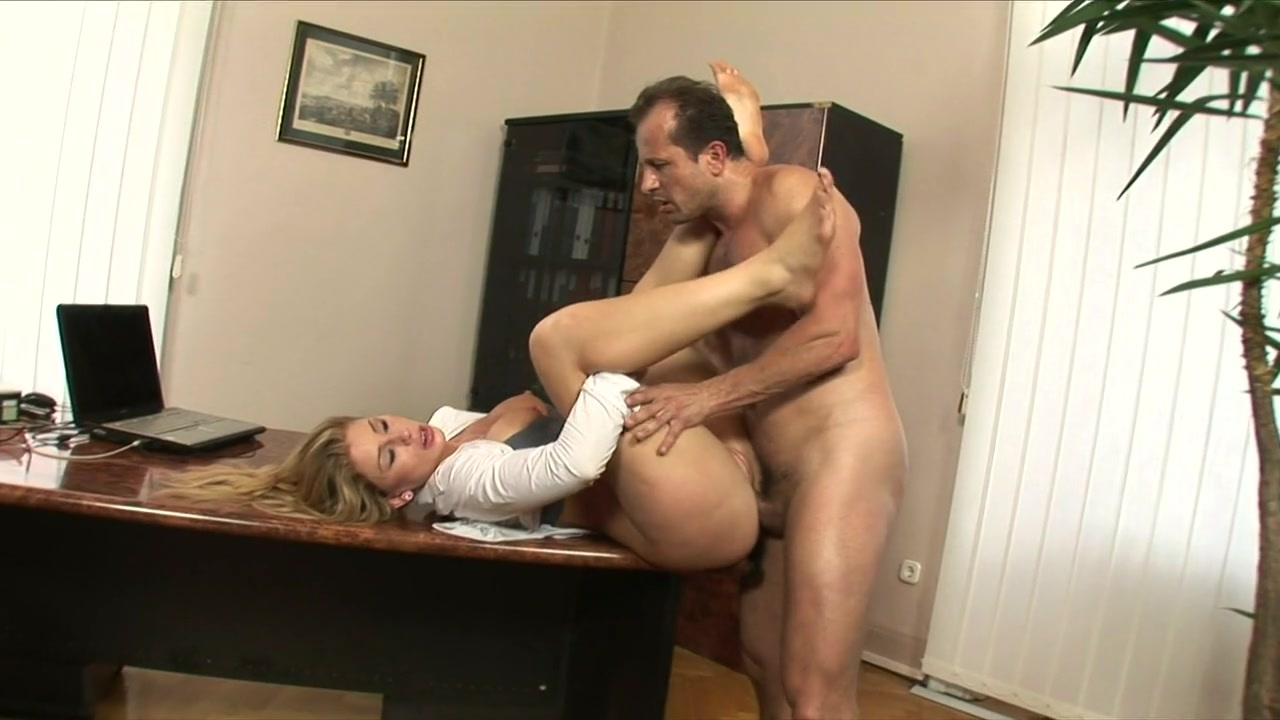 amateur-sex-office-video-pussy