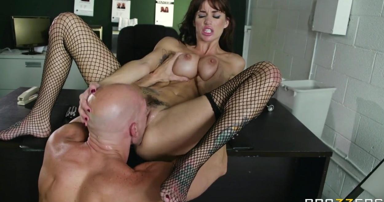 Порно женщина коп задержала преступника фото 497-487
