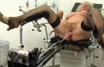zhenu-ginekolog-trahnul