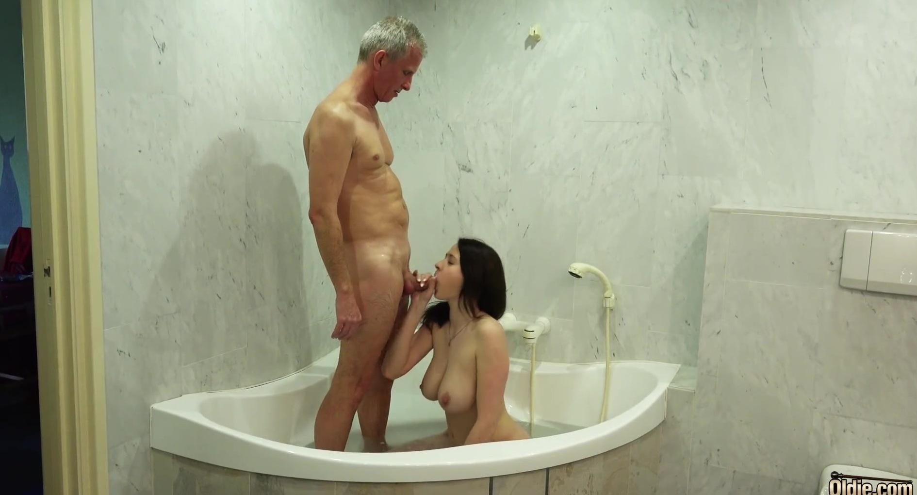 Фильмы онлайн порно в ванной