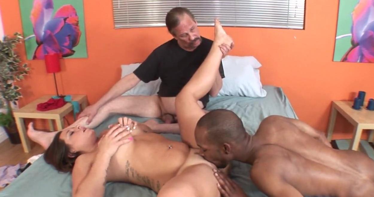 Руски секс между сиськи трахнутса