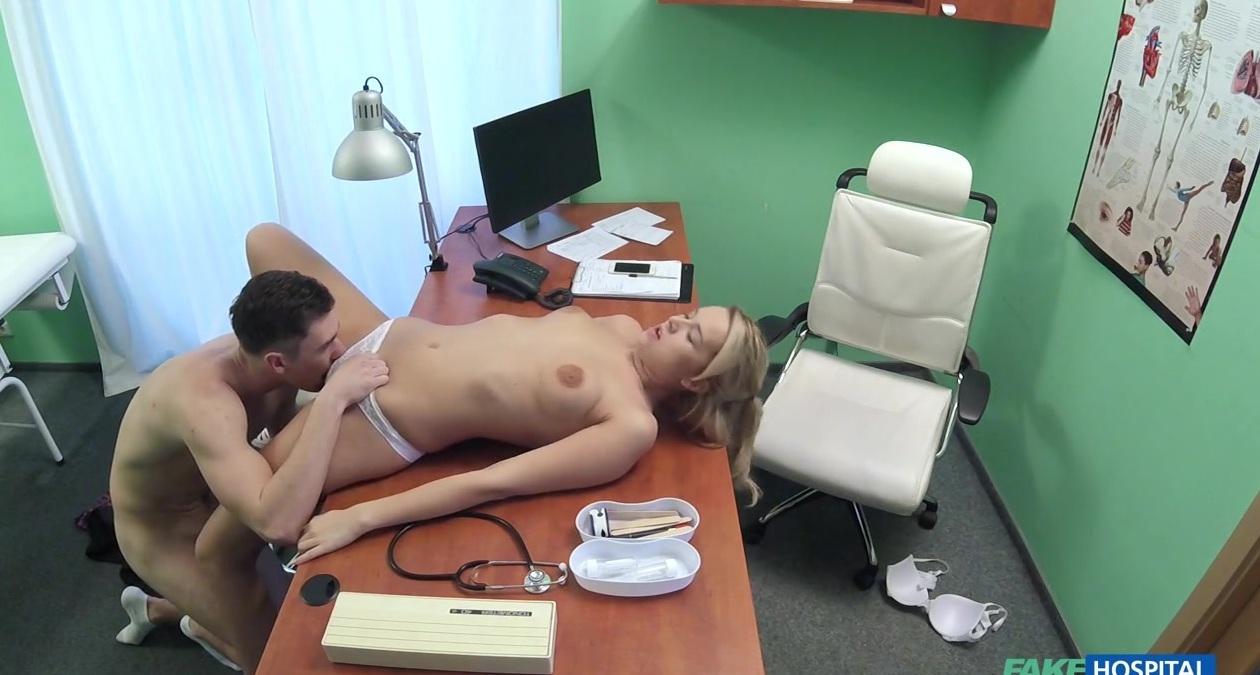skritiy-kamera-porno-mediki