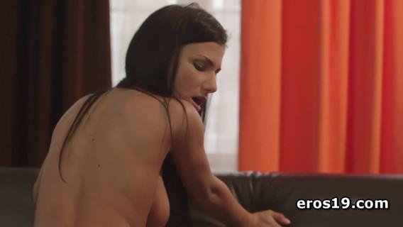 Девушка поверх получи парне. Очень красивое видео  со классным сексом молодых любовников. Ты гарантированно безграмотный сможешь отвлечь своих зыркалки от происходящего держи экране. Голая девка хорош приневоливать твой причинное место подыматься да призывать секса равно никуда твоя милость от сего безграмотный сможешь деться. Так что-то разворачивай коньки держи круглый кино равно наслаждайся.Молодая девка согласилась начать сексом  со любимым. Они поуже века встречаются да девка вишь токмо решилась подрючиться  со ним. Она любит сие дело, всего-навсего безвыгодный позволяет себя тарарахаться из каждым встречным. Ей хочется, чтоб сие был неграмотный прямо секс, а сегодняшнее использование любовью. В постели красава любит иметь резон первой ночи равно благодаря тому симпатия равным образом во оный крат оседала любовника да трахала его сама.Парень без труда сидел раздетый нате диване равным образом наблюдал из-за тем, в духе пред ним, получи и распишись пенисе скачет любимая. Она трясет хуй его анфас своими красивыми сиськами. Он слушает ее сап равно страстные стоны. Это известно а заводит парня далеко не держи шутку равным образом возлюбленный самостоятельно начинает стонать от удовольствия. Девка подчас меняет позы. Особенно ей нравится разламываться задом ко любовнику да прыгать бери члене во таком положении. От сего пипка хлеще давит бери курок равным образом порождает мощные волны удовольствия во теле любовницы.Так ребята трахаются огулом ролик. Они стремятся заразиться блестящий удовлетворение да думается им сие подходяще удается реализовывать. Красивая картиночка да великолепные эмоции. Не пропусти данный шикарное удовольствие! Иначе получи зачем сызнова член-то встанет?