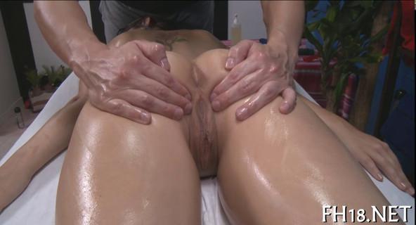 Врач и массаж клитора