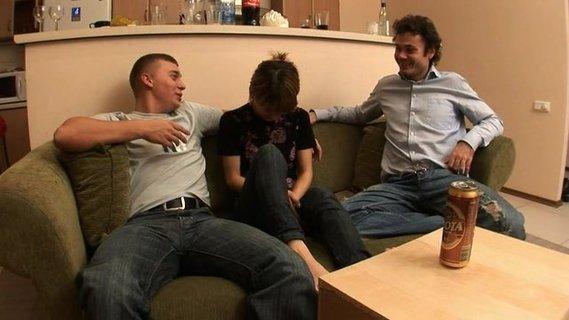 трахнул пьяную замужнюю видео