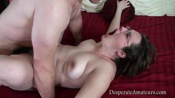 porno-trahnul-pishku-na-kastinge
