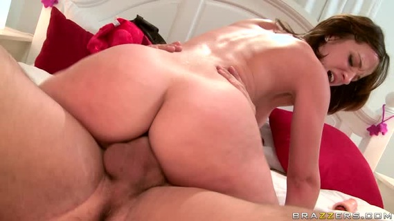 HD Порно  Секс После Футбола С Jessie Rogers Онлайн Бесплатно