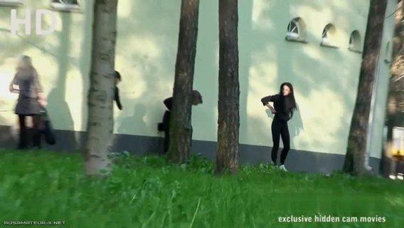 скрытая камера снимает русских баб в деревне - 8