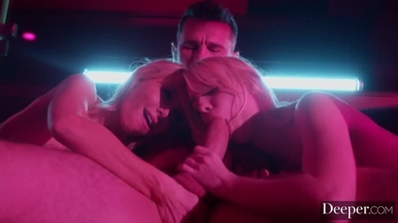 Стрептиз фото секса в ночных клубах vr клуб москва цена