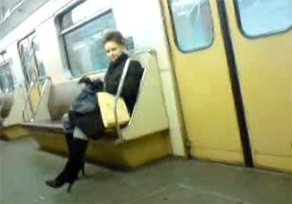 muzhskaya-drochka-v-metro-video