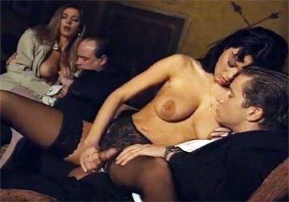 известно, итальянская эротика онлайн муж занял долг опустила