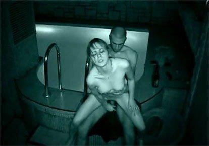 секс скрытой камерой в саунах банях