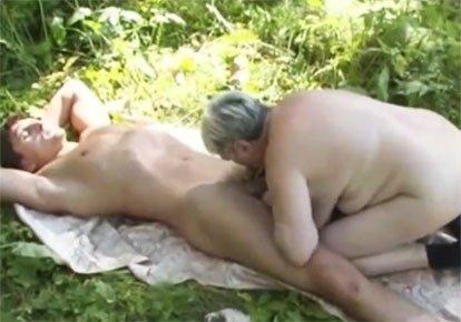секс с тещей на даче видео - 12