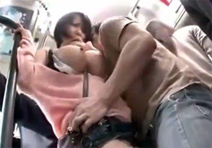 дочкой порно в автобусе китайка девушка