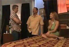 Жена позвала любовника и унизила мужа, быстрый секс в офисе видео