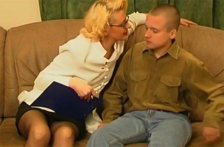 sankt-peterburga-viezdom-russkiy-seks-s-pozhiloy-shlyuhoy-video-negr-onlayn
