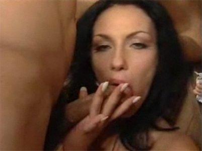 video-s-goloy-lyubovyu-tihomirovoy-osobennosti-onlayn