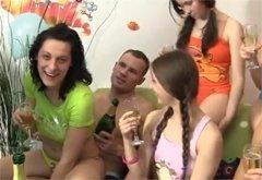 fotografii-orgii-russkih-studentov