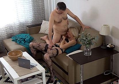 Порно изменила на скрытую, кто в донецке из девушек любит кунилингус