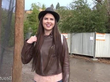 Лиза Садится На Хуй Приятеля Порно И Секс Фото Кисок