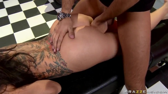 Keiran Lee banges tattooed stunner Sophia Santi. One and only brunette bombshell Sophia Santi with huge exotic tattoo over entire back and jaw dropping round ass gets fucked hard by filthy masseur Keiran Lee with huge cock.