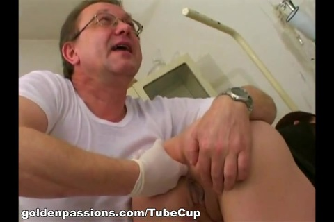 GoldenPassions Video: Peeing In Her Snatch. Dr. Piss and Veronika don't just work together. In fact, when office hours are over, they participate in some really kinky action. This wild duo has a pee fetish that just can't be ignored. This time around, the Doc pissesin Veronikas pussy and she dumps a big bowl of her urine into his mouth. Yummy!
