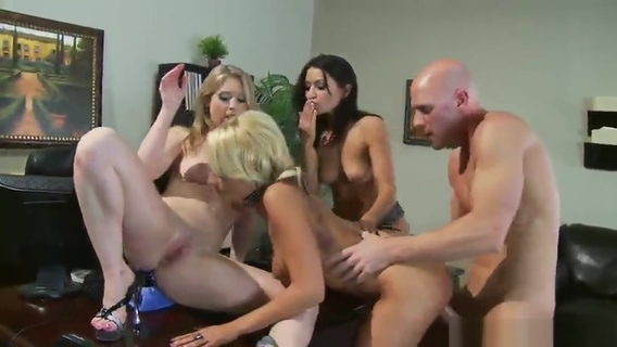 Sunny Lane, Briana Blair, Ann Marie Rios, Johnny Sins and Chris in incredible dick sucking group porn. Johnny Sins,Sunny Lane,Briana Blair,Ann Marie Rios,Ann Marie