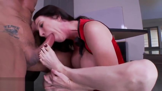 Seducing buxomy Rayveness having a fetish fun at work. Seducing buxomy Rayveness having a fetish fun at work