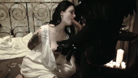 Nackt alissa noir Alissa Noir:
