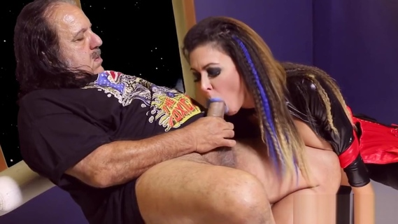 Crimped hair Jessica Jaymes fucks with Ron Jeremy. Jessica Jaymes,Ron Jeremy