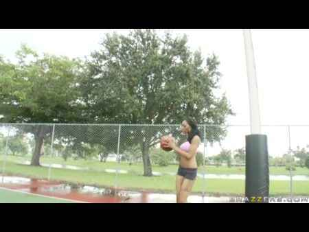 Проно со стройной баскетболисткой фото 567-773