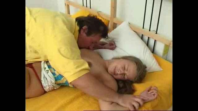skritaya-kamera-seks-s-pyanimi-realno