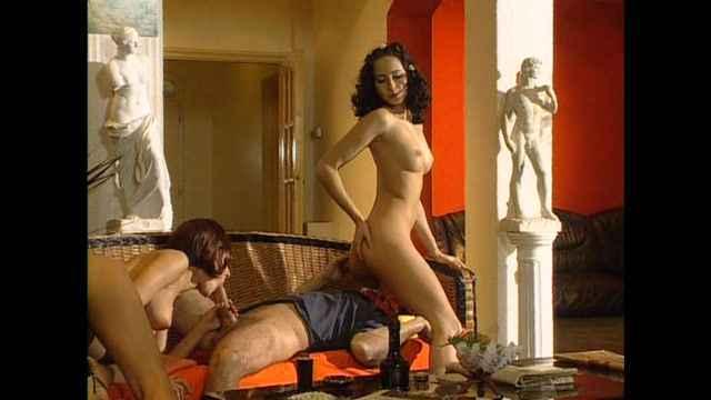 onlayn-film-porno-gornichnie