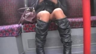 Под юбками видео в метро