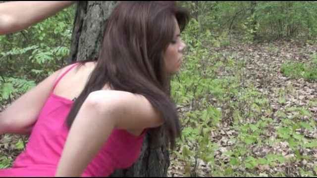 Заблудились в лесу русское порно видео 7 фотография