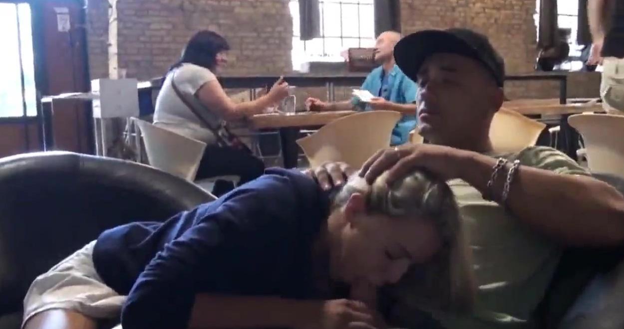Фистинг актрисы минет в ресторане телки