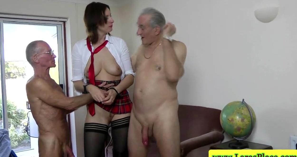 порнушка трах со стариками